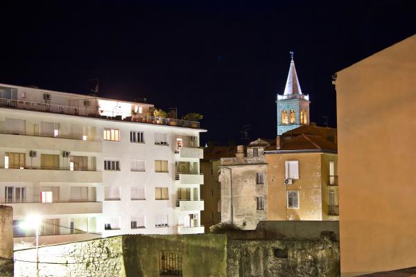 torre paseo viaje religion iglesia ciudad