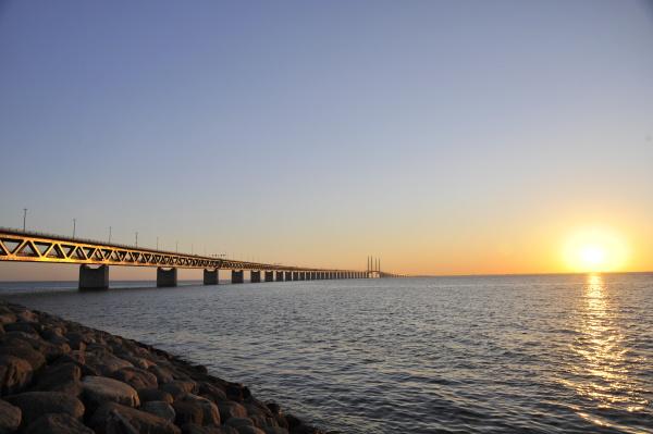 puente de la puesta del sol