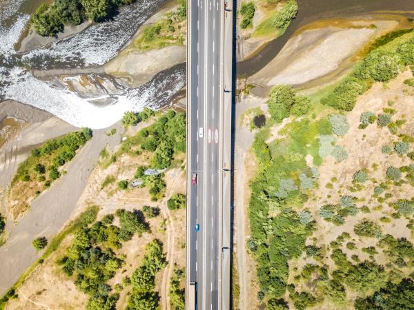 vista aerea del puente puente llacolen