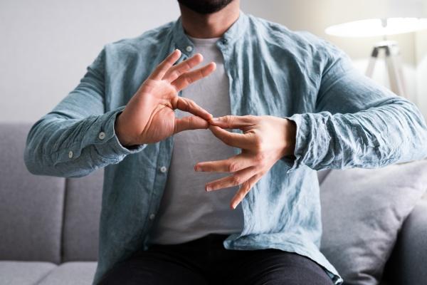 aprendizaje de adultos lenguaje de senyas