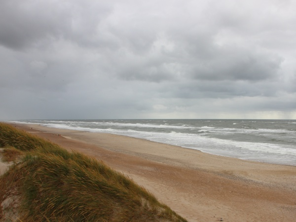 cloudy, weather, with, horizon, coast, of - 29745617