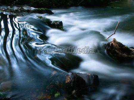 flujo aguas largo tiempo de exposicion