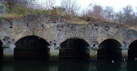 bro naturbeskyttelse kanal mur vand gammel