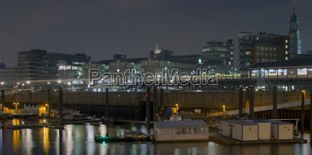 historico monumento puerto hamburgo inversor barcos