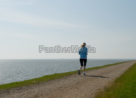 mujer piernas azul movimiento en movimiento