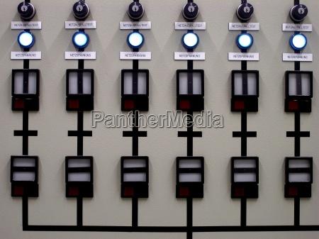 tecnologia voltaje interruptor circuito distribuidor red