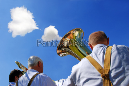 musica nube capilla humor folk festival