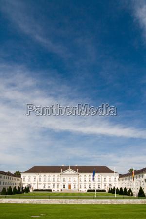 pared berlin fachada politica gobierno guardia