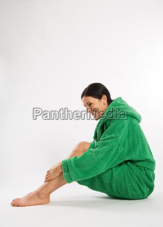 mujer risilla sonrisas verde amistoso lado