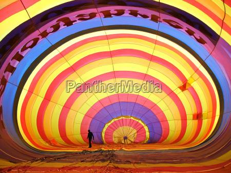 interior colorido globo de aire caliente