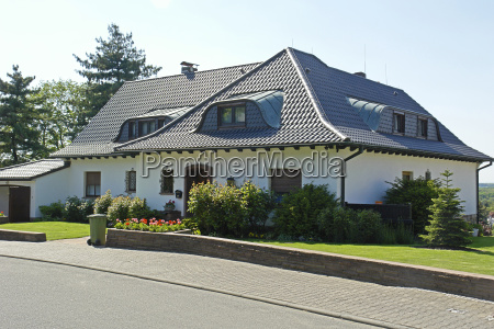 detached house with hipped roof
