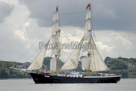 navegar velero barco con remos barco