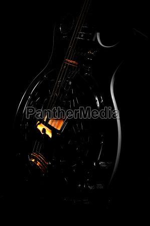 guitarra mecanicamente