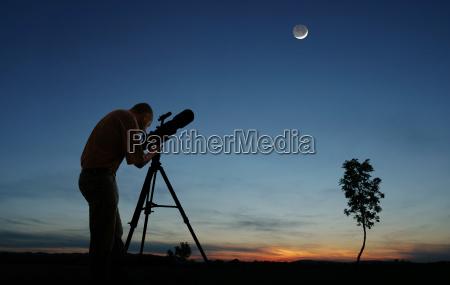 puesta del sol crepusculo telescopio creciente