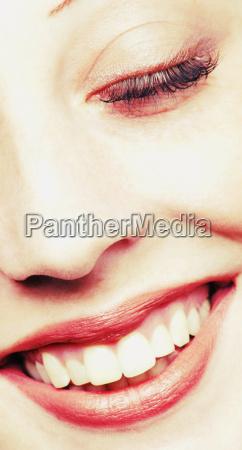 la cara de la mujer