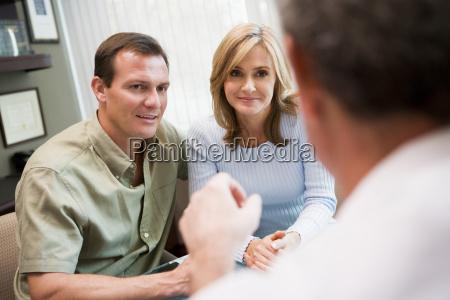 medico mujer hablar hablando habla charla