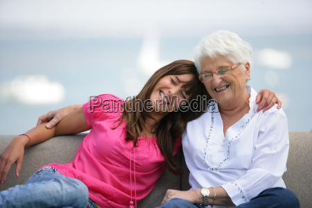 retrato, de, una, mujer, mayor, sentada - 2916181
