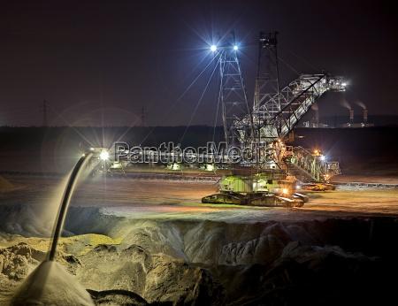noche excavadora mineria de superficie arenas