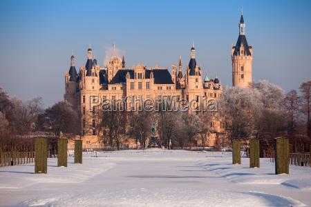castillo de schwerin en invierno