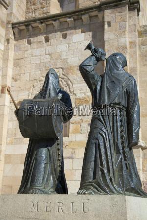 cultura fiesta vacaciones estatua turismo destino