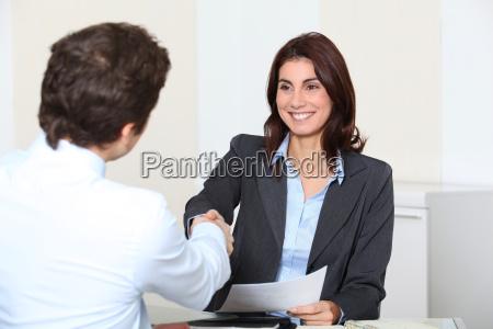 solicitante de empleo que tiene una