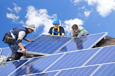 hombres hombre poder fotovoltaica los trabajadores
