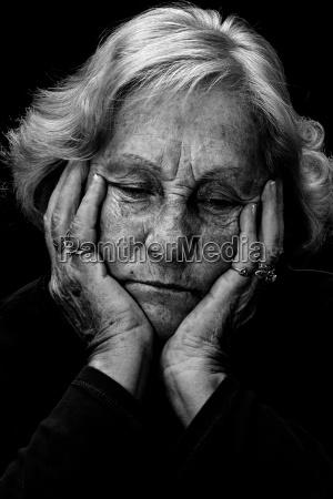 mujer triste dolor depresion opresion sufrir