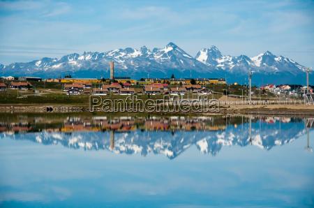 ciudad montanyas argentina reflexiones stadtkern escenico