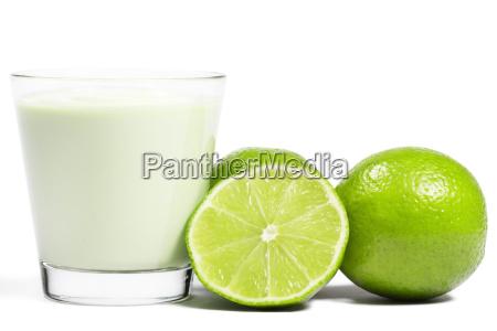 limone y la otra mitad al