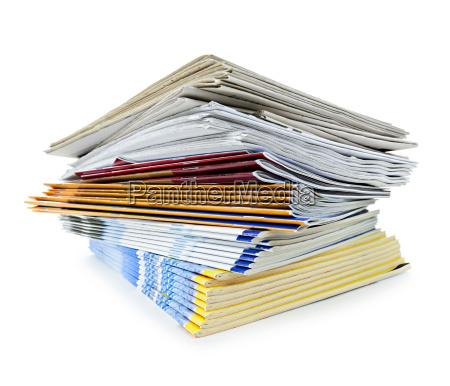 periodicos apiladas revistas imprimir publicaciones papel