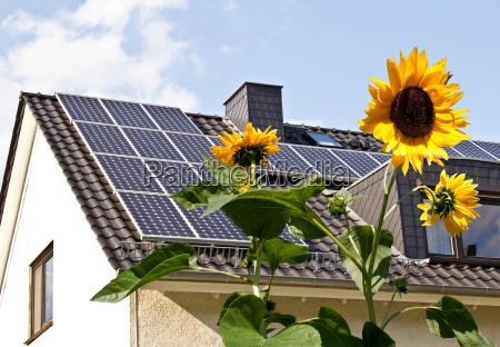 los paneles solares en tejado de