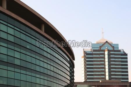 edificios comerciales modernos