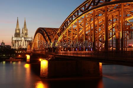 iglesia colonia catedral puente rin rio