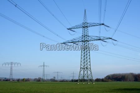 torre de alta tension con cables