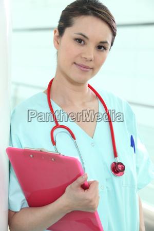 doctor haciendo sus rondas