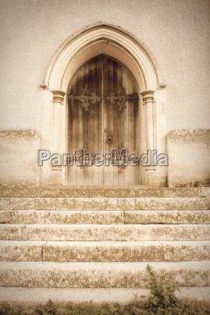 puerta de la iglesia vieja