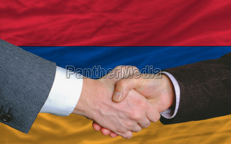 mano manos apreton de manos bandera