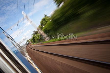 ferrocarril visto desde un tren de