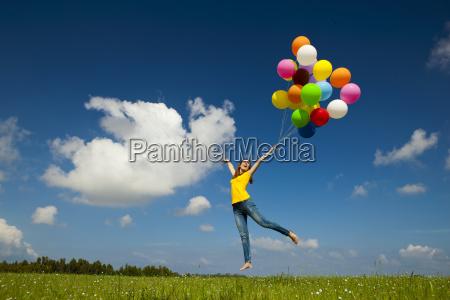 volar con globos