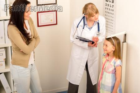 chequeo medico al pediatra altura medida