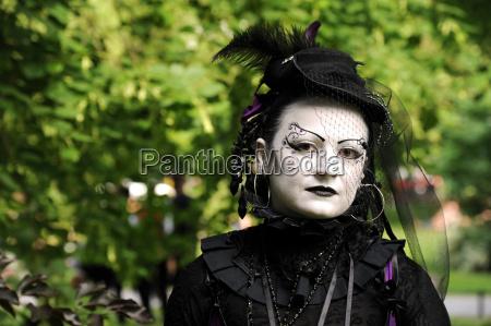 falda moda purpura estilo modelo equipo