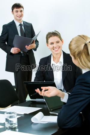 explaining business point