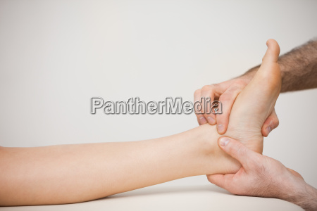 doctor placing his fingers on the