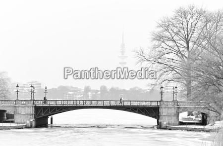invierno puente hamburgo jogger