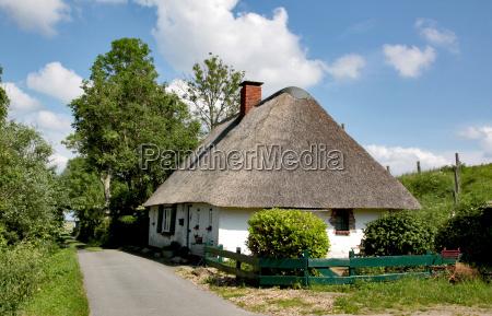 casa construccion rural recuperacion reetdach camino