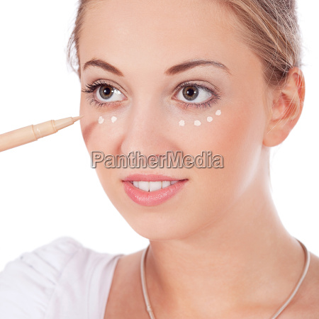 bastante joven mujer que llevaba maquillaje