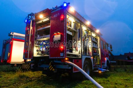 bomberos en la accion con la