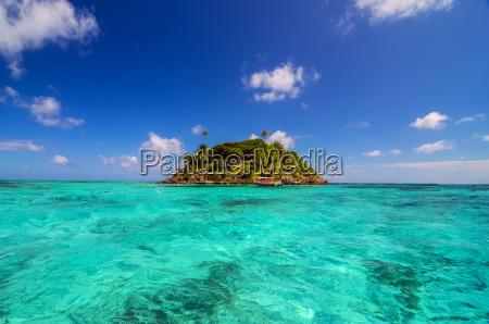 pequenya isla aislada