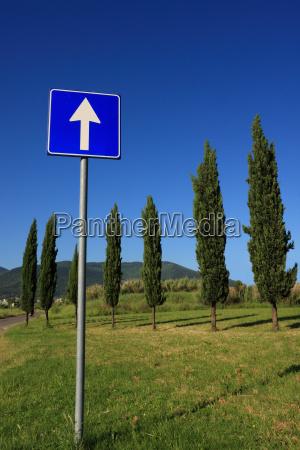 senyal direccion senyal de trafico derecho