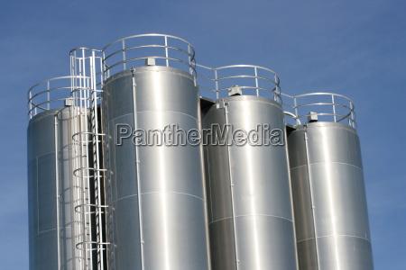 vista de una planta industrial con